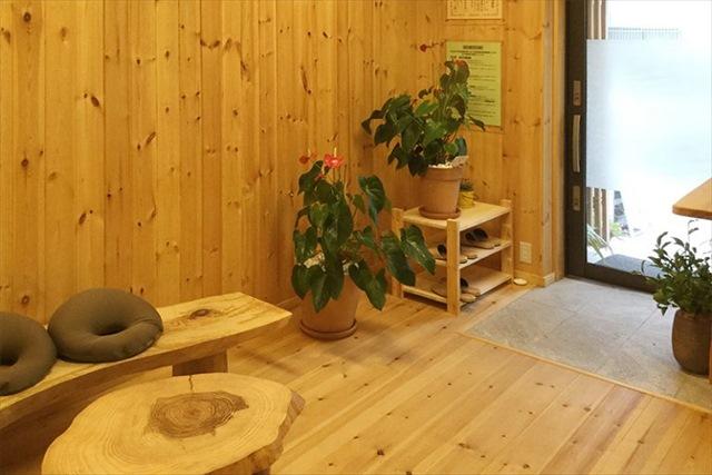 松山で鍼灸の施術を受けるなら【あじさいの杜鍼灸院】へ!リラックスできるこだわりの空間